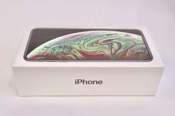iphoneXsMAXの箱