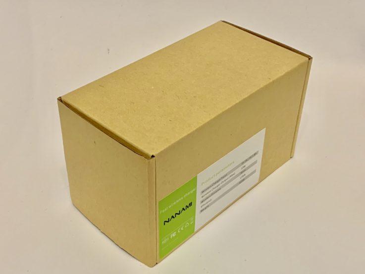 nanamiの充電器の箱