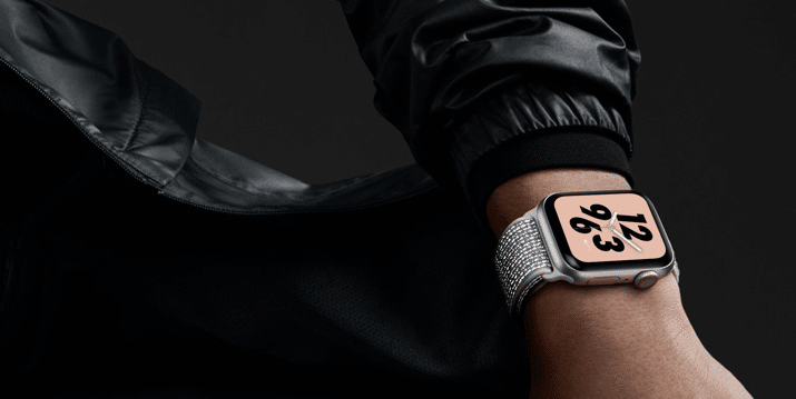 Apple Watch series4 Nikeモデルのモデル画像