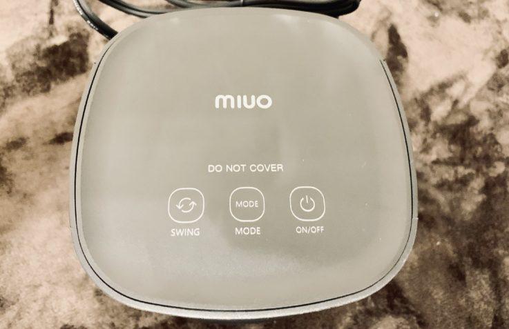 MIUOセラミック電気ファンヒーターの上部スイッチ