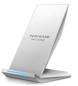 nanamiの充電器白