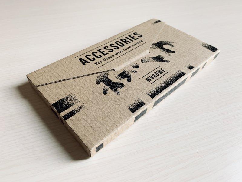 woodweのiphoneケースのパッケージ