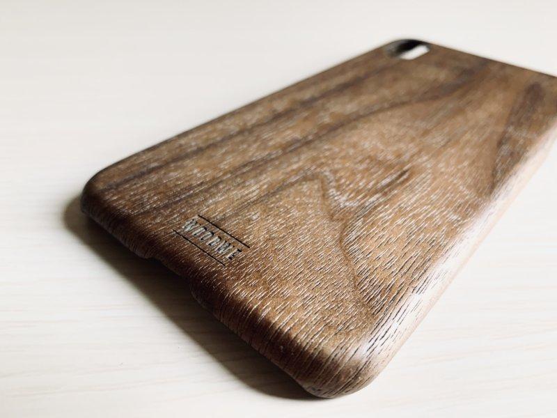 woodweのiphoneケースのロゴ